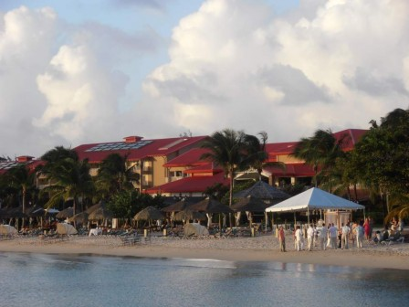 Pc310747_club_Med_local.jpg